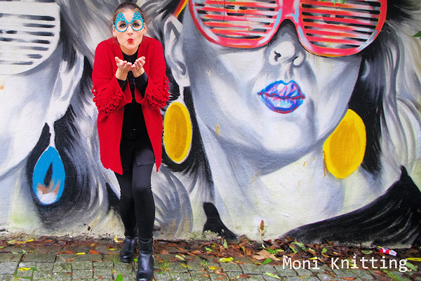 Moni Knitting bij pop-up Mosae Forum Maastricht door Kunstproeven ART & more